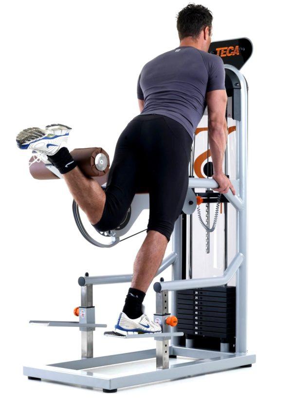 TECA SP 120 Standing leg curl esercizio